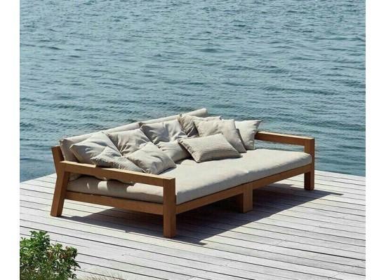 Фото 1. Большая садовая кровать из дерева для дома или террасы BIG ABBA